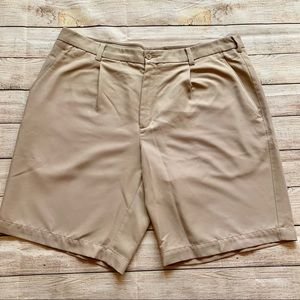 Men's Size 38 Nike Dri-Fit Golf Shorts